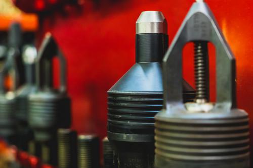 Universal Wellhead Service Tools